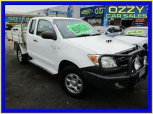 2006 Toyota Hilux KUN26R 06 Upgrade SR (4x4) White 5 Speed Manual Extracab Minto Campbelltown Area Preview