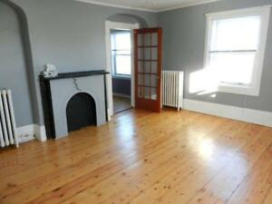 Location plus lots of room - 1 bdr Westside NG - Heat included