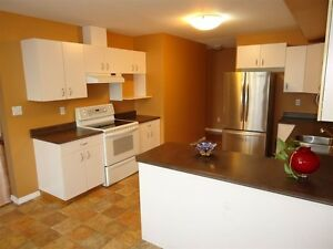 4 Bed 4 Bath Townhouse in a Great Area Prince George British Columbia image 3