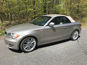 2011 BMW 128i Cabriolet (Executive et Sport package)