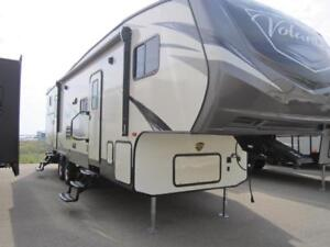 2019 34 FT CROSSROADS RV VOLANTE 310BH 5TH WHEEL
