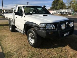 2007 Nissan Patrol GU MY08 DX (4x4) White 5 Speed Manual Cab Chassis Young Young Area Preview