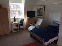 **Massive Double Room, Available Now!-ELEPHANT AND CASTLE**