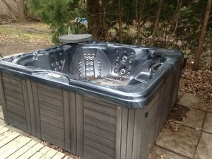 hot tub complete well functioning set