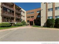 COZY CONDO UNIT LOCATED CLOSE TO SHOPPING AND ALL AMENITIES!