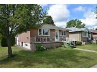 4395 Al is your #1 Choice Cozy brick 1 storey bungalow