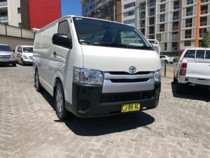 4cf296e172 2016 Toyota Hiace KDH201R MY16 LWB White 4 Speed Automatic Van
