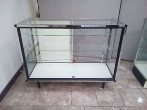 URGENT- Glass showcase display and large mirror