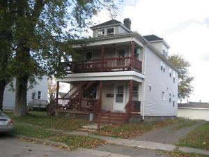 7 VENIOT - AFFORDABLE 2 BEDROOMS - CLOSE TO DOWNTOWN