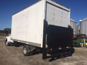 18' cube van body with power tailgate London Ontario image 4
