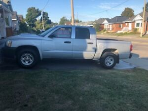 2005 Dodge Dakota Pick – Up Truck for $4500