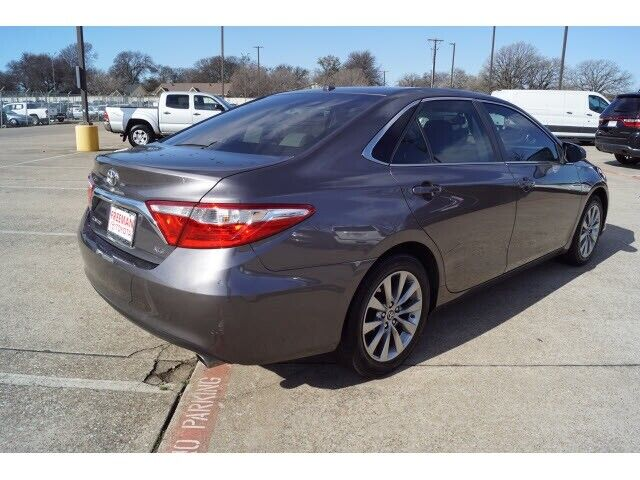 Image 4 Voiture Asiatique d'occasion Toyota Camry 2015