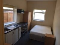GREAT STUDIO - BILLS INCLUDED - AVAILABLE NOW