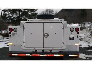 2004 Ford F-450 4X4 DUALS DIESEL SERVICE BODY 136,000 KM $19,900 Prince George British Columbia image 8