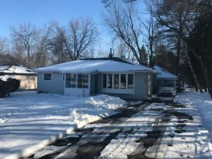 Well Located 2 Bedroom Bungalow For Lease