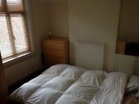 A spacious double bedroom available in Thornton Heath in a very clean & relaxing Victorian House