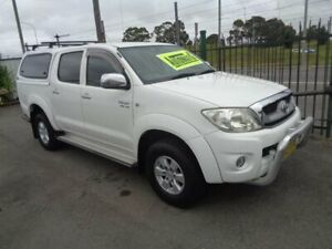 2011 Toyota Hilux GGN25R MY12 SR5 (4x4) White 5 Speed Automatic Dual Cab Pick-up Sandgate Newcastle Area Preview