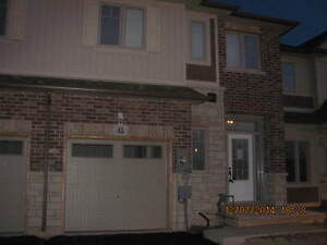 STUNNING  TOWNHOME IN GRIMSBY  FOR RENT (from August)