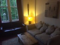 Double Room offered in 2 bed Retro Chic 2 bedroom Flat.Use of Kitchen Living Room free WiFi .
