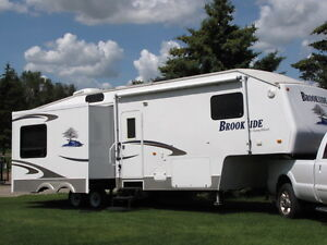 2008 Winnebago, Brookside 349FWSB Triple Slide