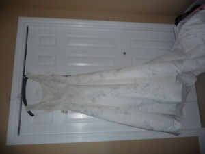 Ivory Bling Wedding Dress With Attached Train-NEW