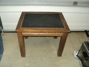 Single End Table - Leather Top  JUST $20 bucks CALLS ONLY PLEASE Windsor Region Ontario image 1