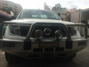 2009 Nissan Navara D40 RX (4x4) White 6 Speed Manual Dual Cab Pick-up Braddon North Canberra Preview