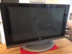 """LG 42"""" Colour TV with remote"""