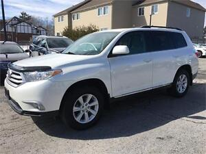 2013 Toyota Highlander | AWD | Backup Camera |