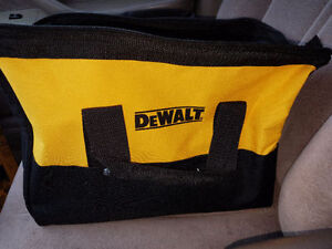 NEW Dewalt soft Tool Carry Bag mefium size perfect shape