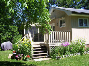 Large waterfront, lovely cottage, much included, don't miss it!