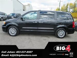 2015 Chrysler Town & Country LIMITED, Dual DVD, power sliders