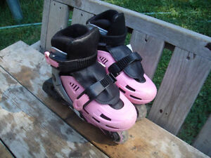 Excellent Condition: Girl's Rollerblades, Adj Sizes J8 to J11
