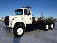 1994 Ford L8000 T/A Winch Truck