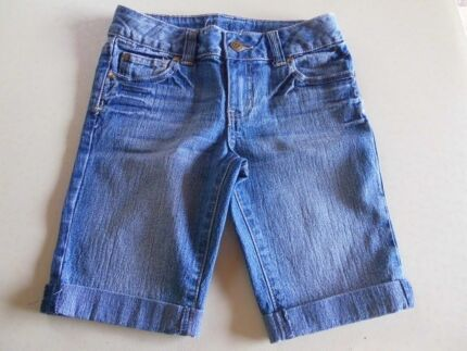 """GIRLS """"TARGET"""" DENIM CUFFED """"JEANS LOOK"""" SHORTS - SIZE 9 Mudgee Mudgee Area Preview"""