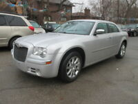 2010 Chrysler 300-Series LIMITED/SUNROOF/ALLOYS Sedan