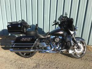 2011 Harley Davidson FLHTC Classic. Loaded with extras $16999