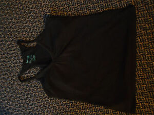 Ladies Size Large Black V-Neck Tank Top With Built-in Bra
