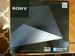 Sony Blu-ray/DVD player with wireless LAN