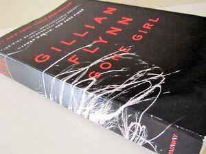 """"""""""" GONE GIRL"""""""" by Gillian FLYNN"""