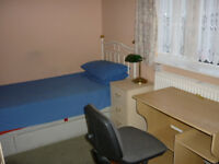 HURRY THEY RENT OUT QUICK NICE LARGE DOUBLE ROOM AND MEDIUM ROOM ALL BILLS INC