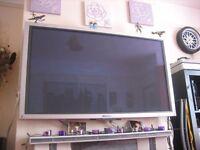 "52"" Pionner Plasma HD TV (ind wall bracket.media receiver.2 powerful speaker.remote)"