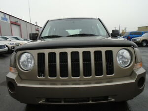 2008 JEEP PATRIOT SPORT-LEATHER--ONE OWNER---106,000KM Edmonton Edmonton Area image 1
