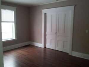 Spacious 2 bedroom apt. on Trent express - All inclusive!