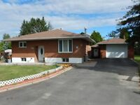 ALL BRICK 4 BEDROOM BUNGALOW WITH DETACHED GARAGE IN GARSON!!!