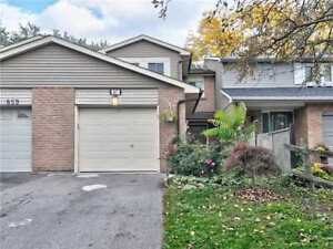 PERFECT FOR FIRST TIME HOME BUYERS!!FREEHOLD TOWNHOME IN WHITBY