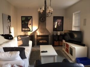 3 bed/2 bath Apartment in Century Home