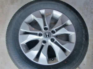 "ONE Honda CR-V OEM Factory 17"" Alloy Wheel and Tire"