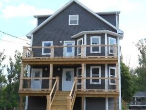 Highland Ave. Wolfville 3 Bedroom Apartment - All Inclusive