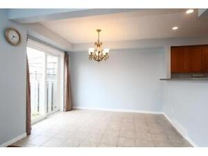 NEWER TOWNHOUSE IN  EAST GALT 3 bed 2.5 bath FERNCLIFFE ST Cambridge Kitchener Area image 4